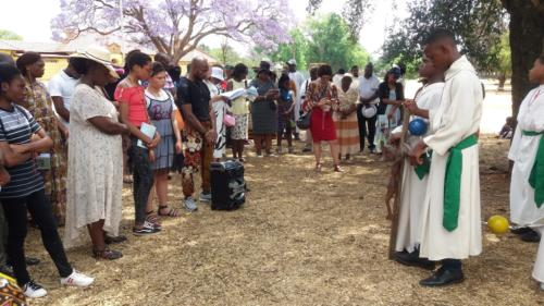 Rosary at Lake - St Patrick's La Rochelle - Mission Month (48)