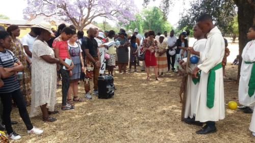 Rosary at Lake - St Patrick's La Rochelle - Mission Month (49)