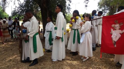 Rosary at Lake - St Patrick's La Rochelle - Mission Month (51)