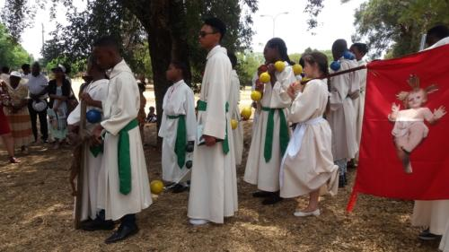 Rosary at Lake - St Patrick's La Rochelle - Mission Month (52)